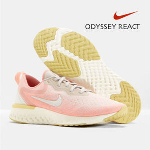 Nike ODYSSEY REACT Women's Running Shoe - Pink